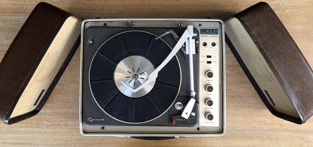 #0095829 KLH.Singer Model Eleven Portable